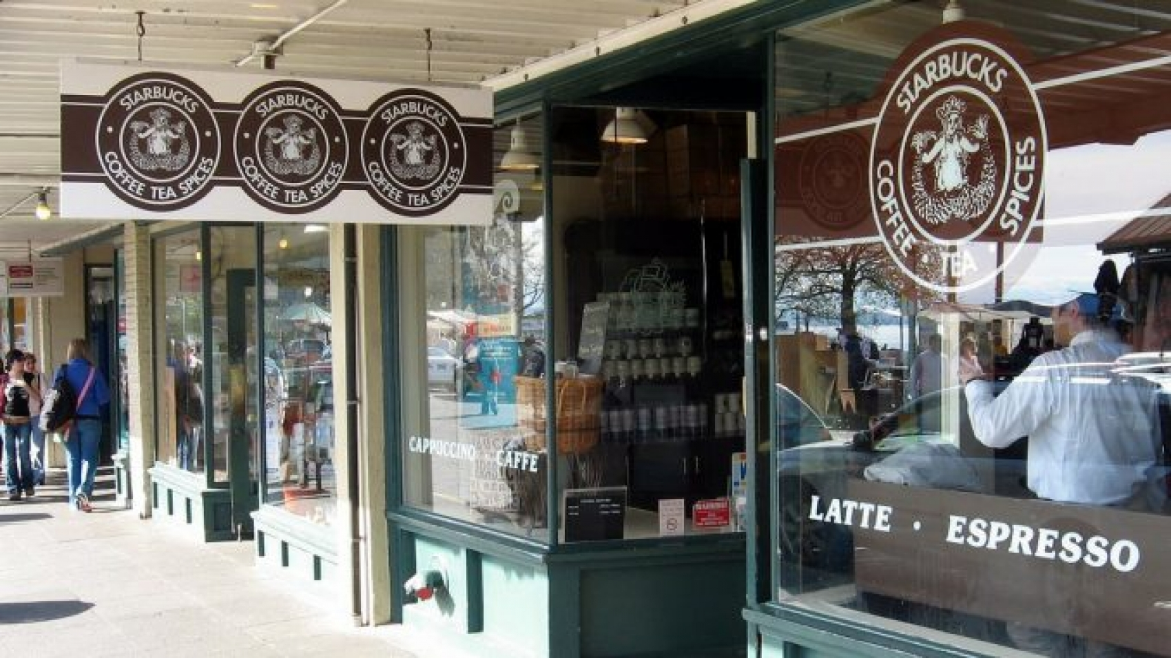 Original-Starbucks-678x381 (1)