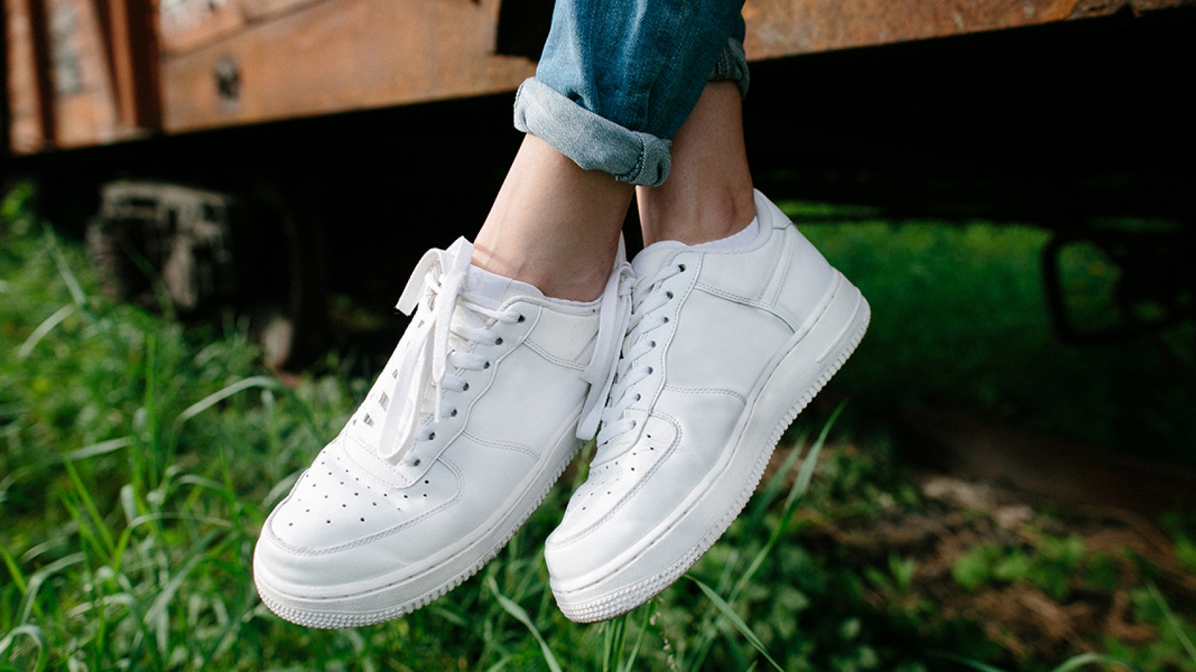 The-Best-White-Sneakers-for-Summer-and-Cute-Outfit-Ideas-for-How-to-Wear-Them